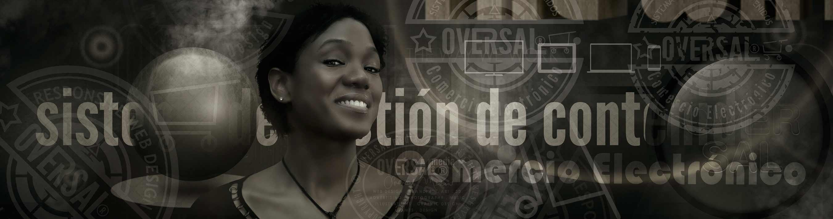 Smiling woman and futuristic surrounding - Elimina tu competencia - Oversal